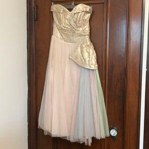 Dresses & Skirts - Unique vintage gown